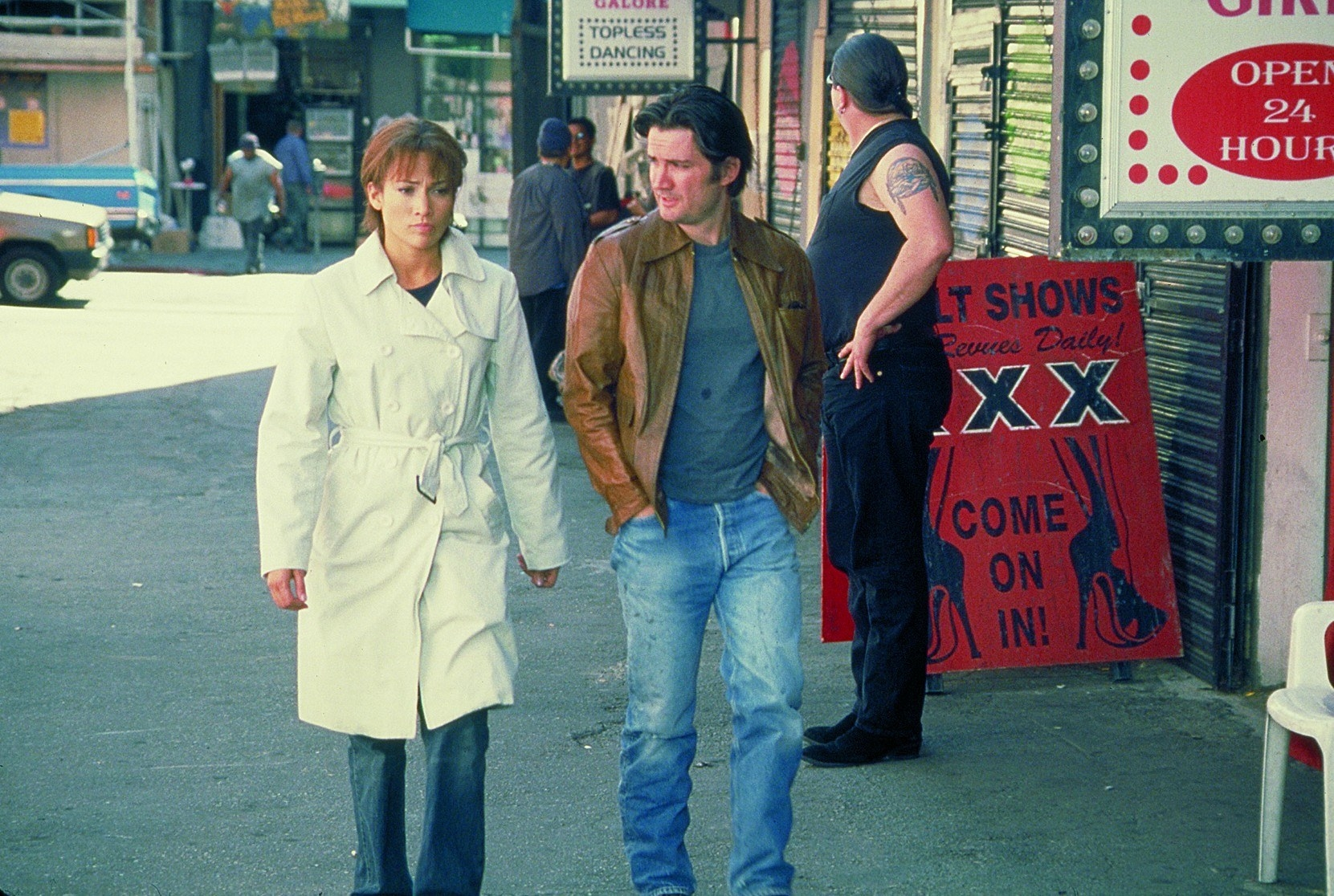 Jennifer Lopez and Jeff Kober in the movie enough