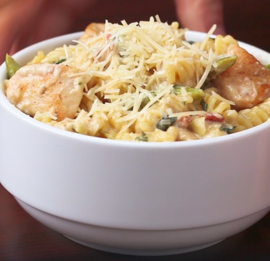 The creamy pasta, served in a bowl