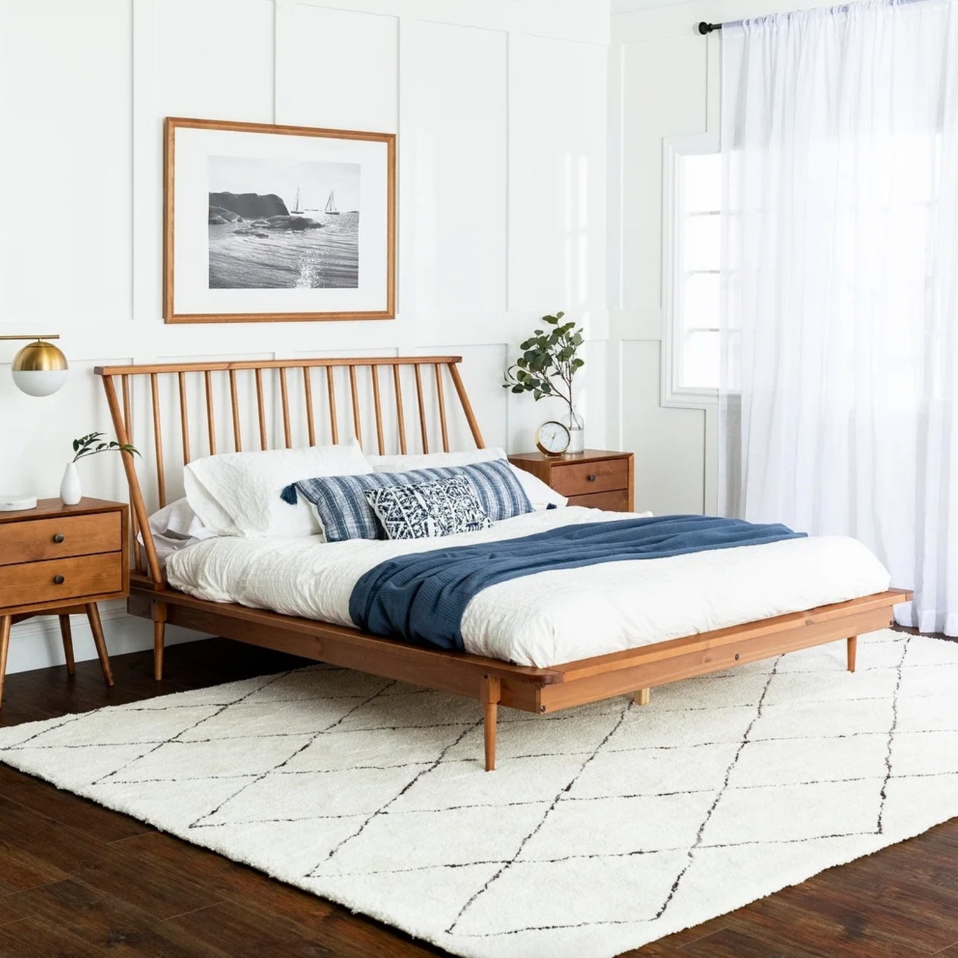 The pine wood spindle bed in caramel