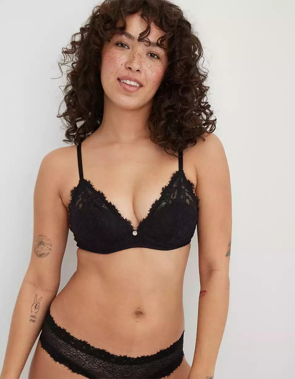 black lacy bralette