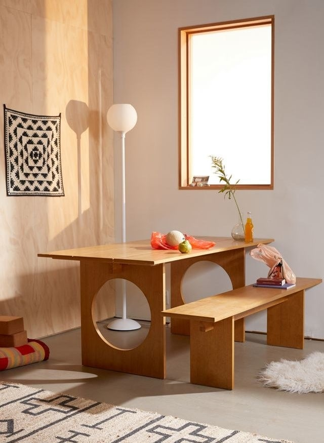 the table with a matching bench