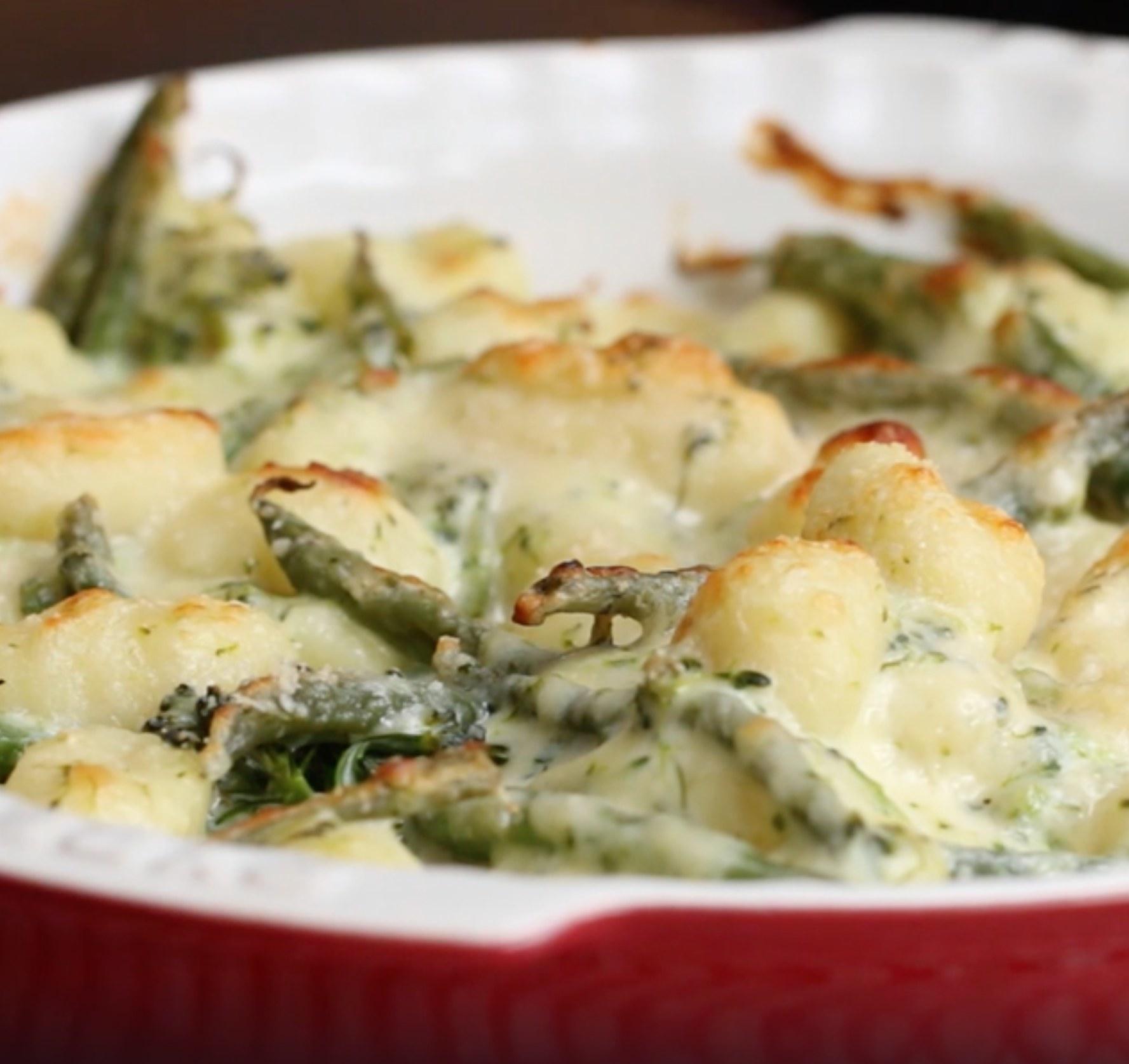 A pan of cheesy broccoli gnocchi