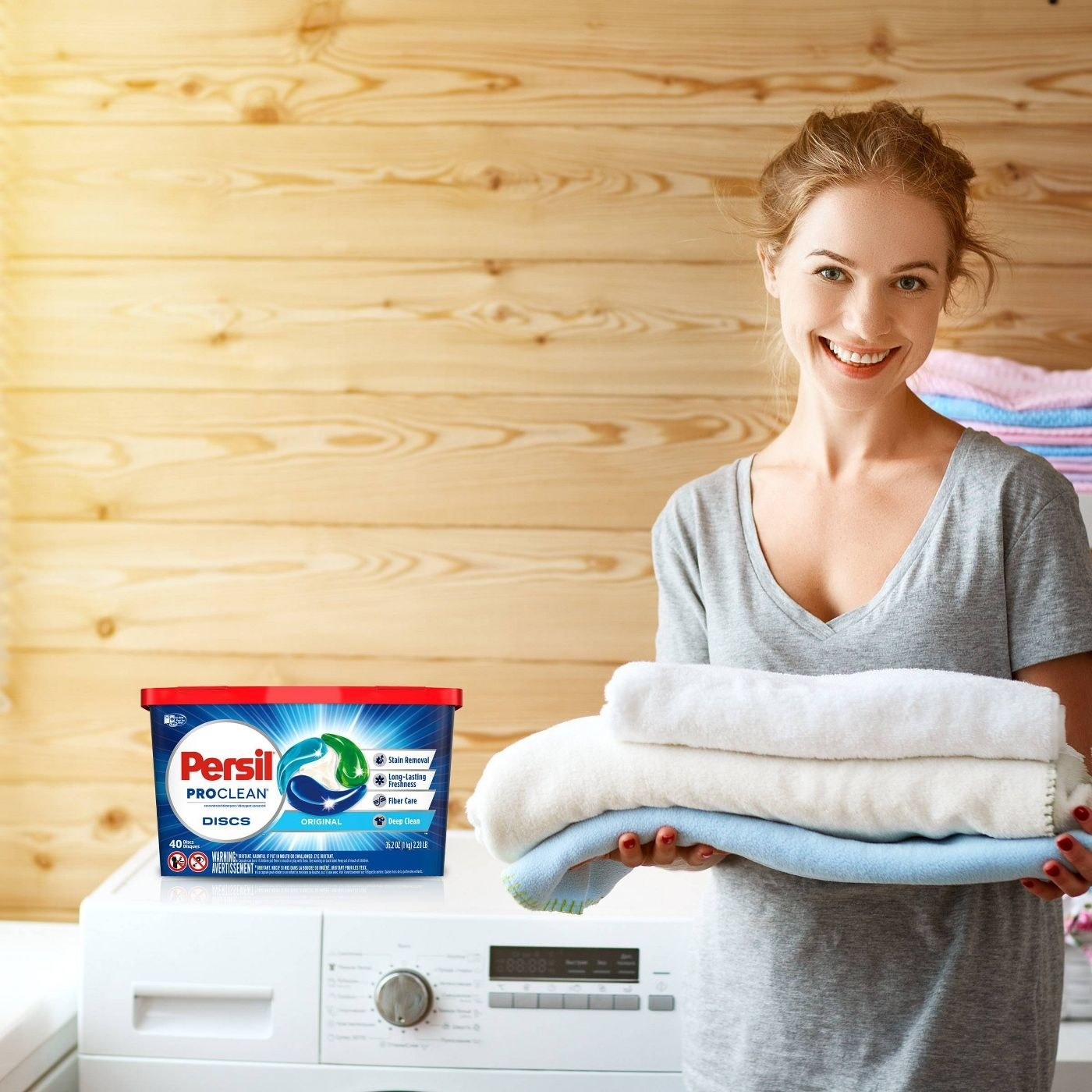Model with laundry detergent packs
