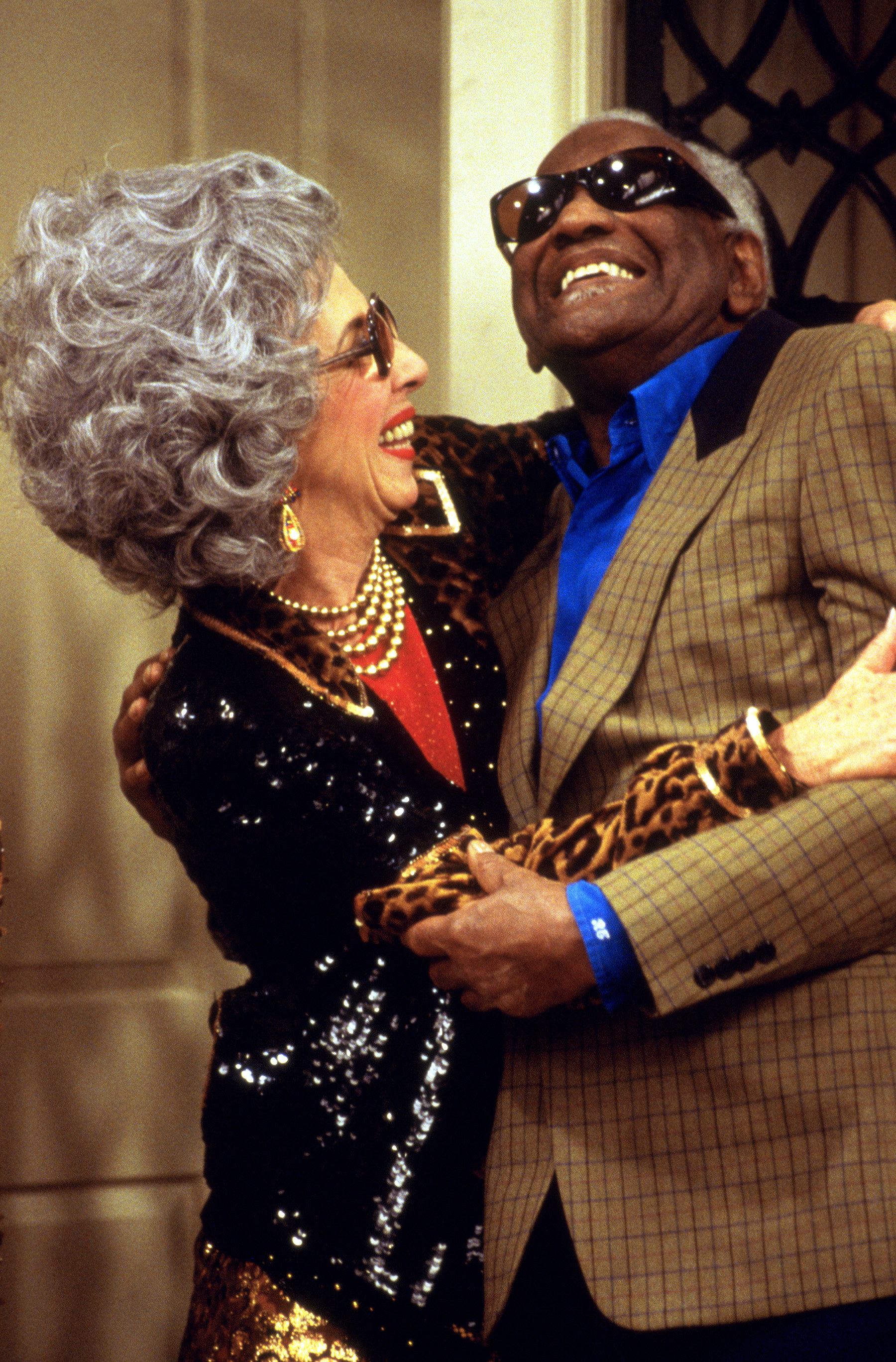 Yetta hugging Ray in the show