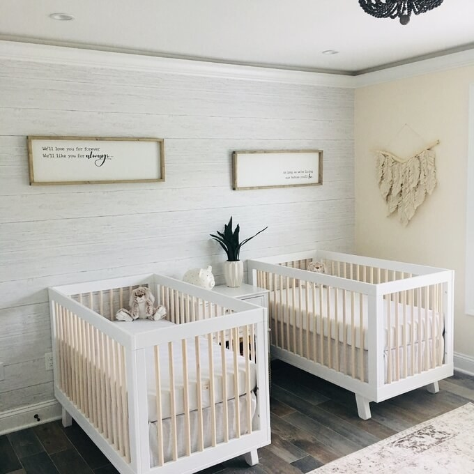 Review photo of the white/washed natural crib