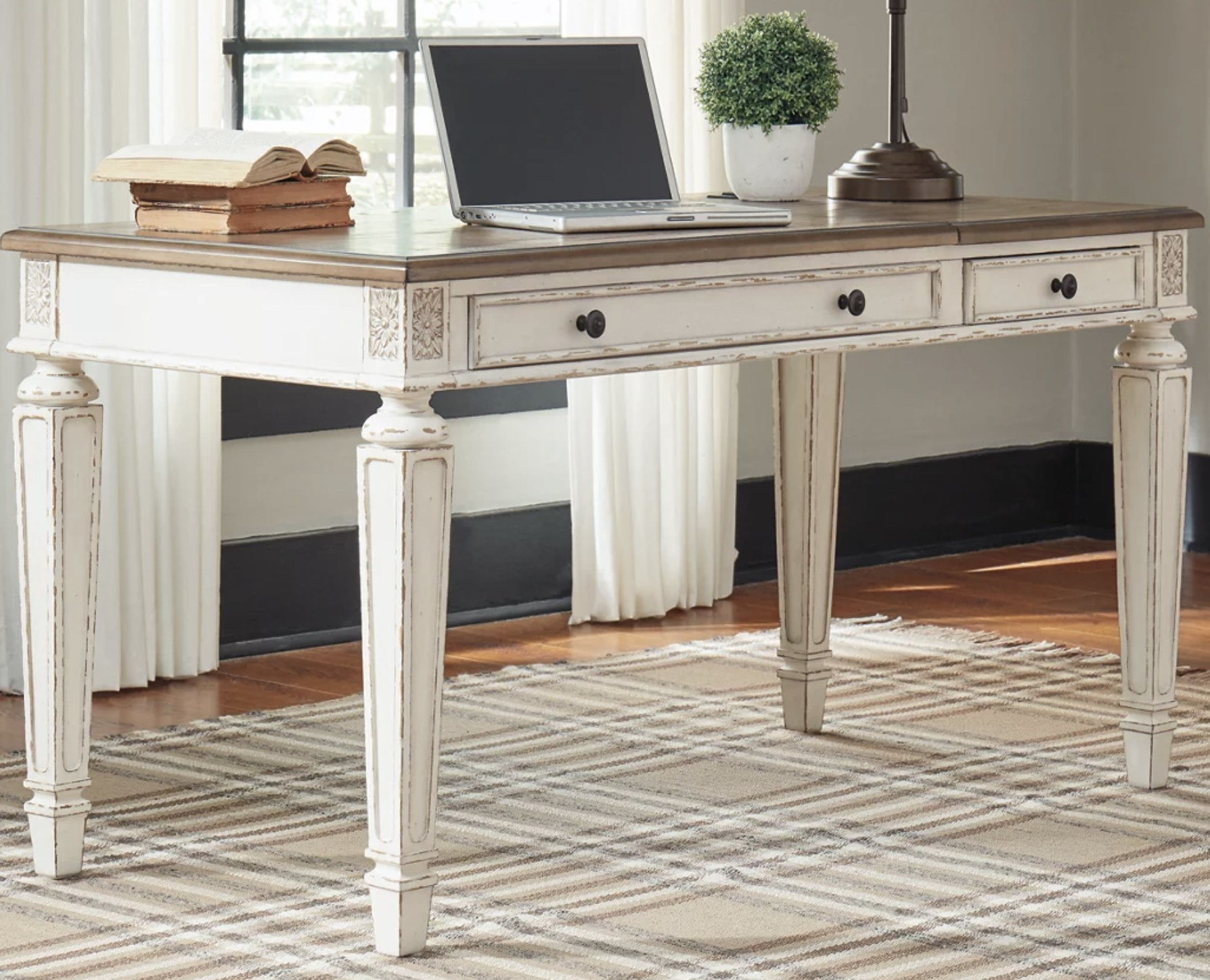 The lift top desk in white weathered wood