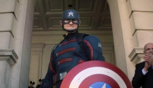 John Walker dressed exactly like Steve Roger's Captain America