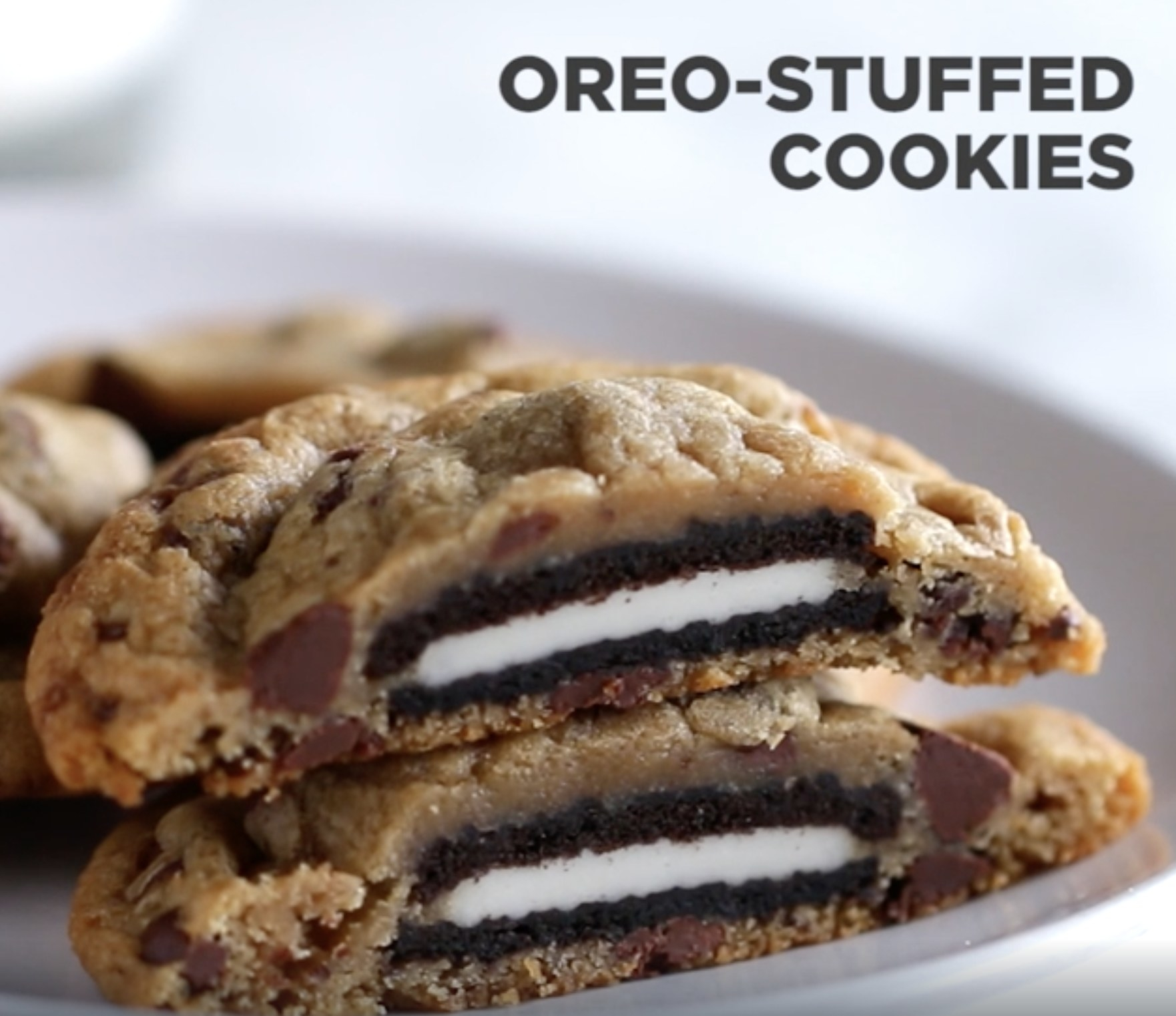 The cookies and cream stuffed cookies