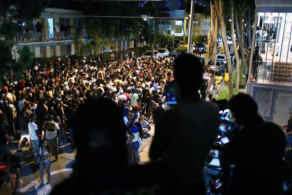 Large crowd of people in Miami