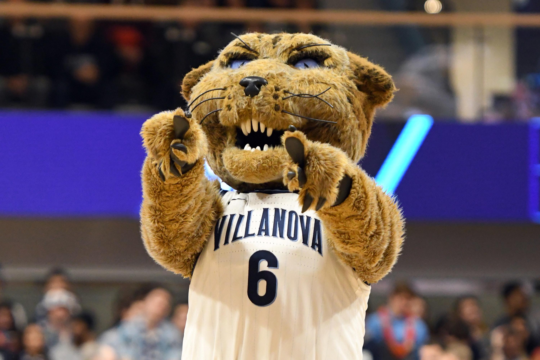 Villanova mascot pointing