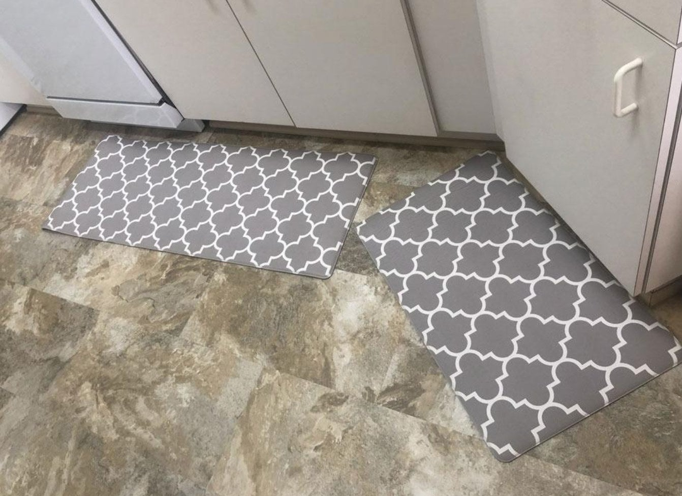 The reviewer's photo of the kitchen rug