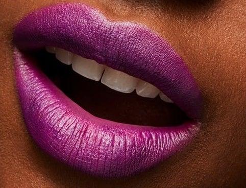 A model wears the lipstick in Heroine