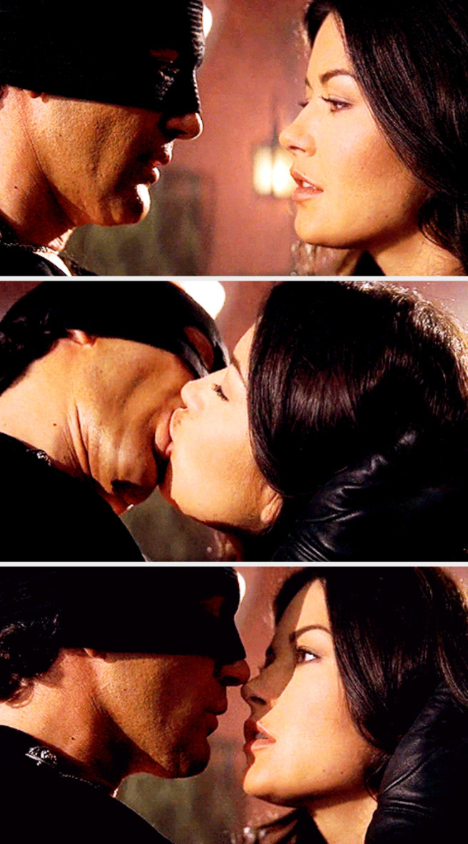 Zorro and Elena sharing a passionate kiss after a fight