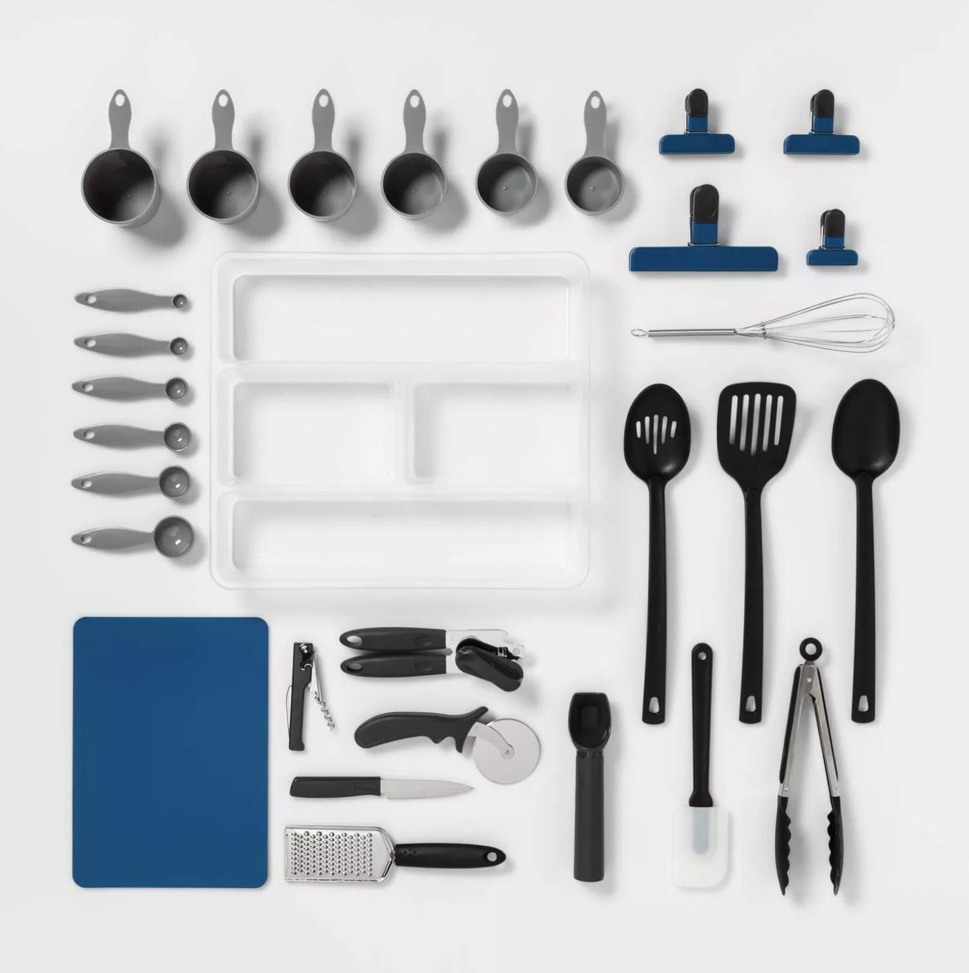 The utensil set