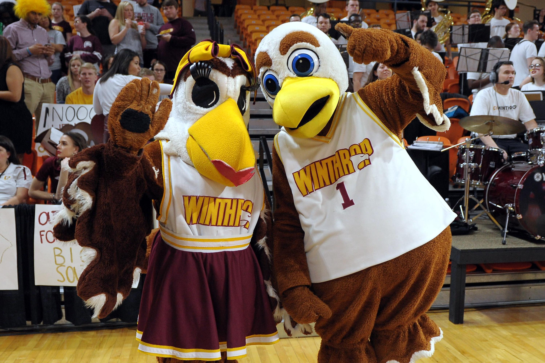 Eagle couple wearing Winthrop jerseys.