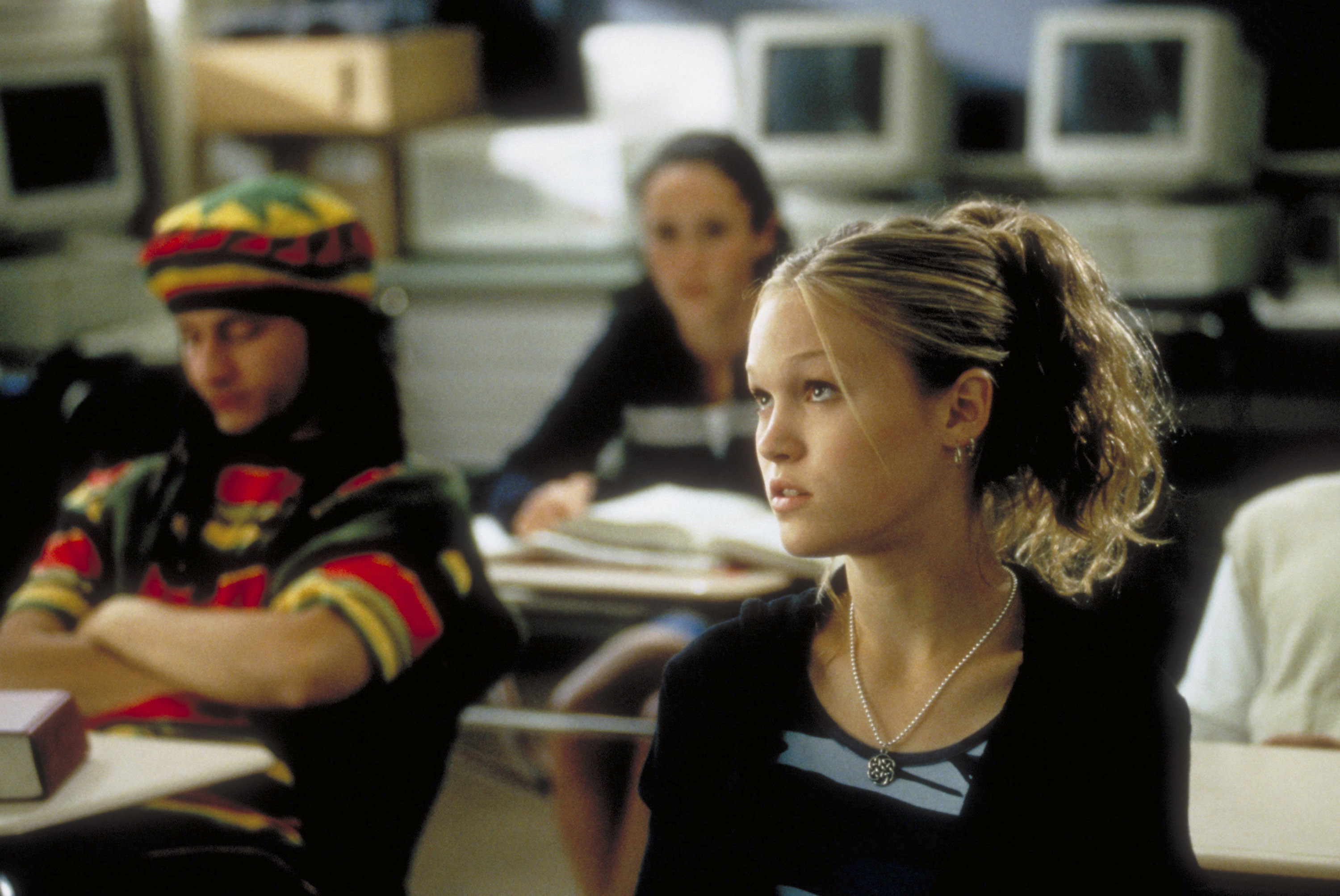 """Julia Stiles as Kat in """"10 Things I Hate About You"""""""