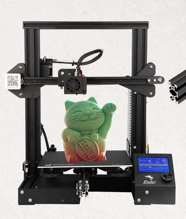 A cat figure created with the 3D printer.