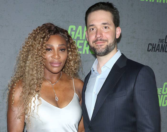 Serena poses with Alexis at a red carpet event