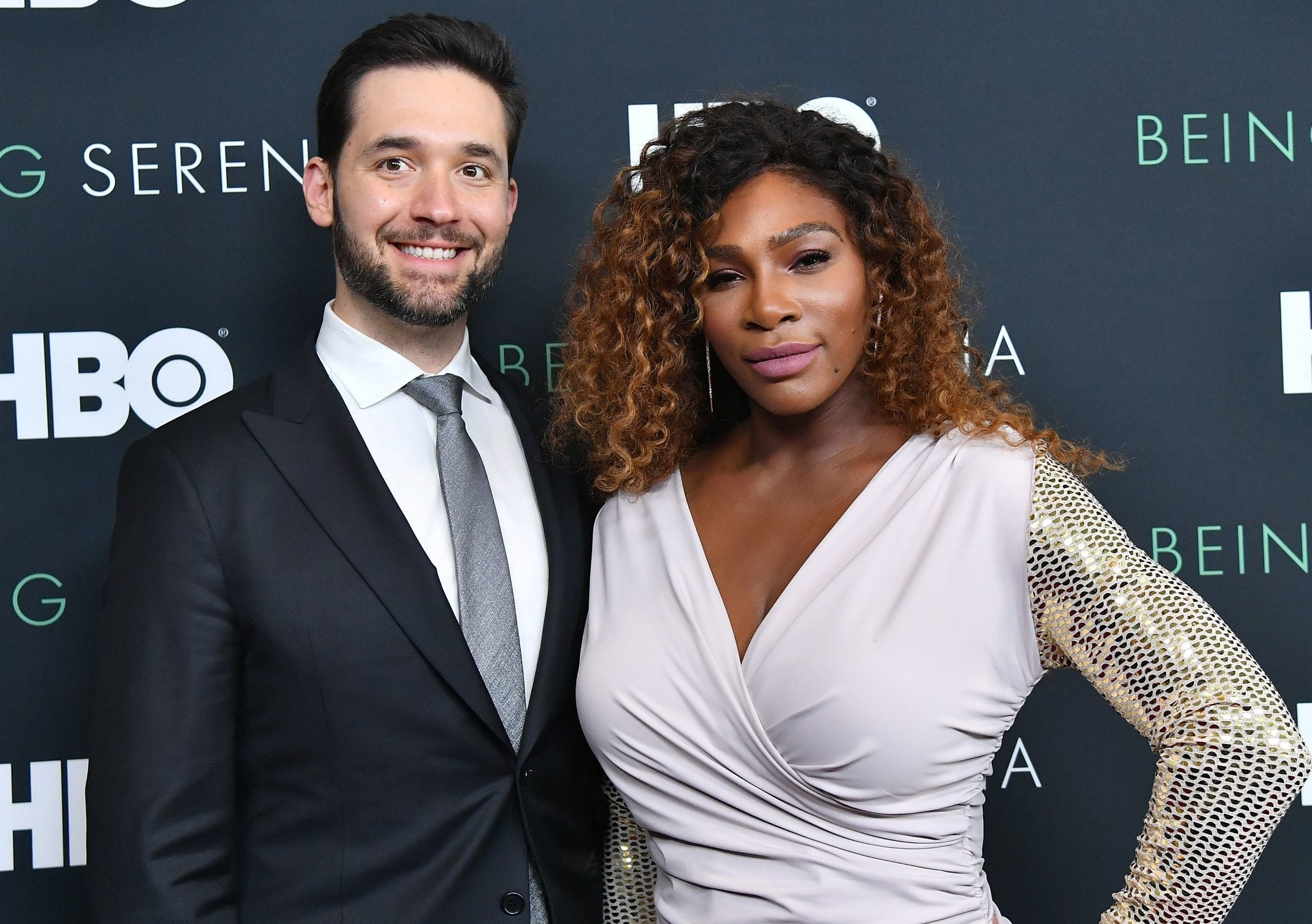 Serena poses with Alexis at another red carpet event