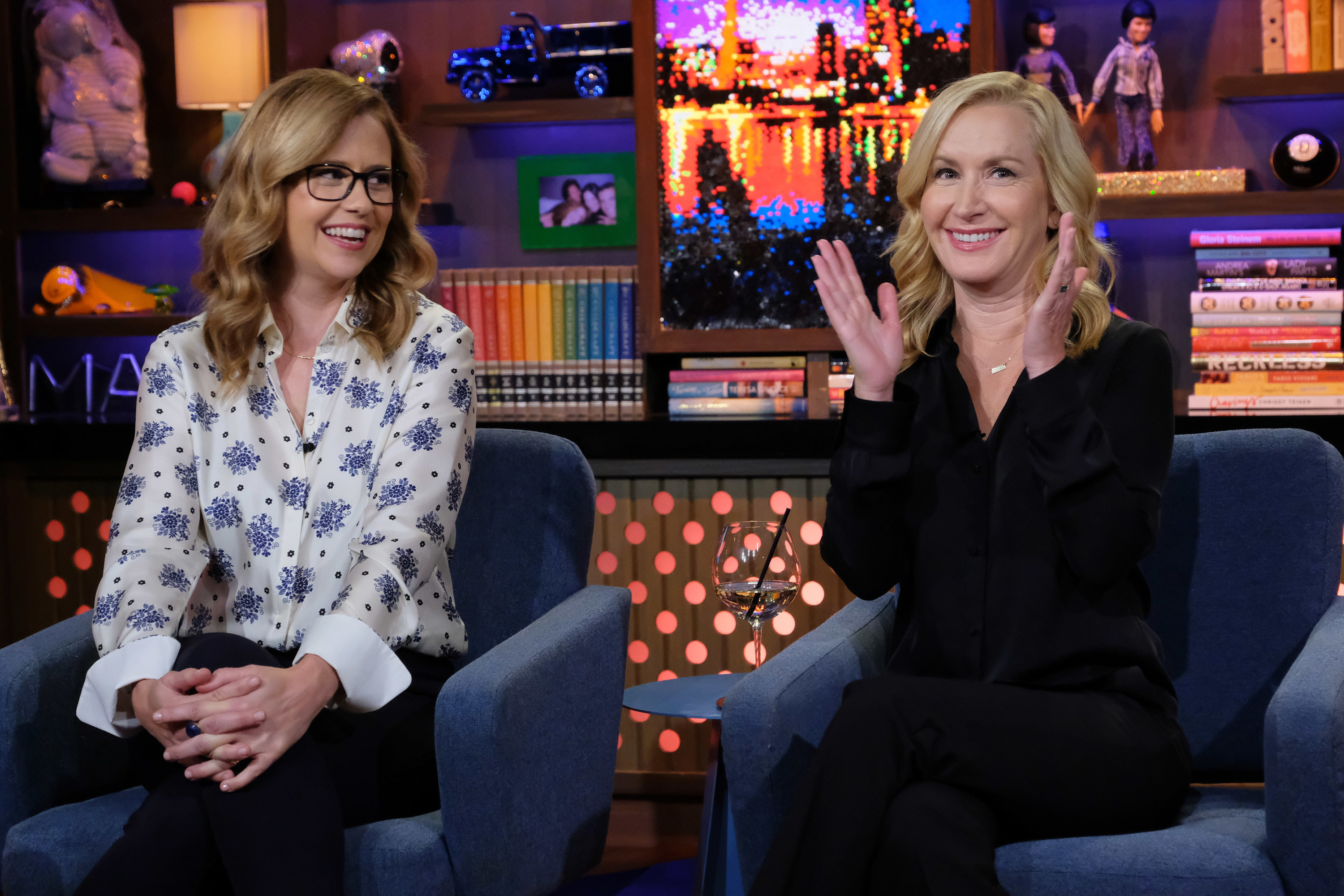 Fischer and Kinsey on the set of Watch What Happens Live With Andy Cohen