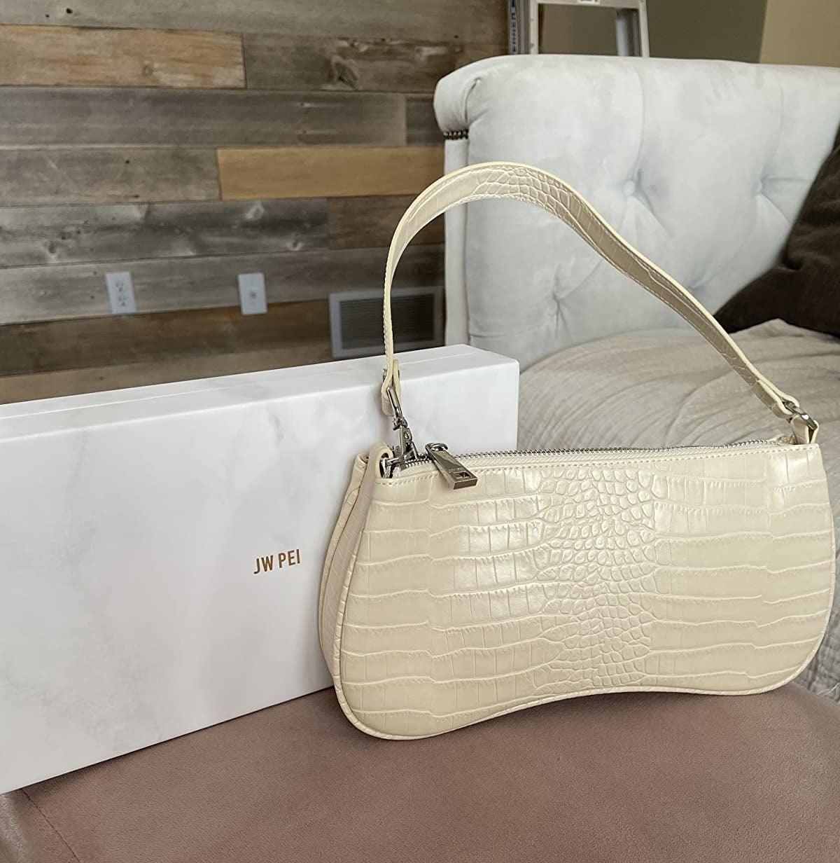 the vegan leather shoulder bag in beige