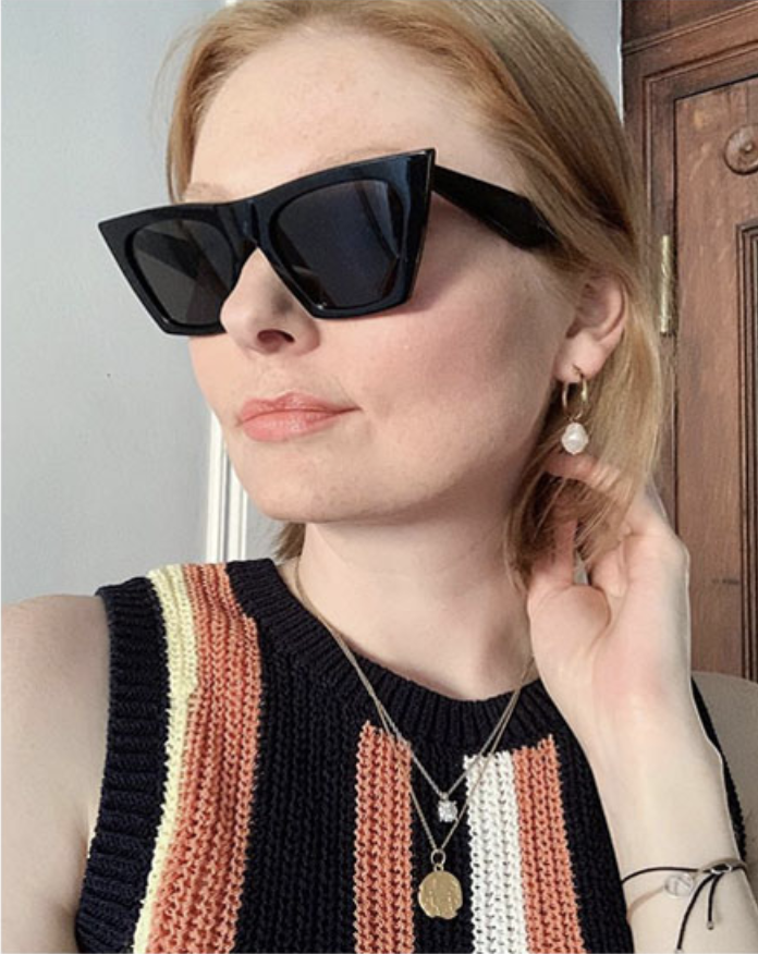 a selfie of a person with the glasses on