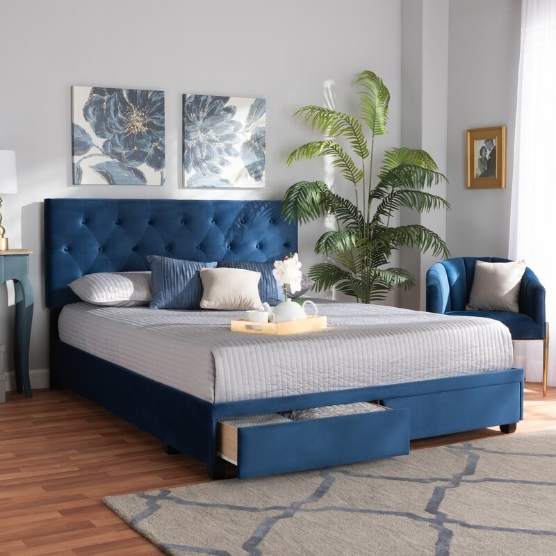 The bed in the color Navy Blue