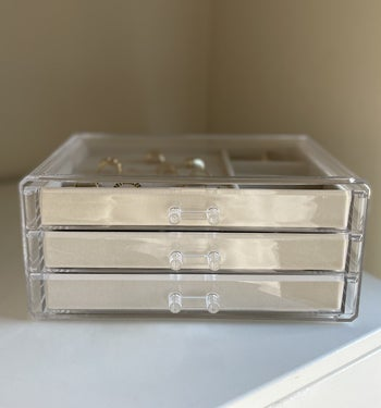the clear jewelry box