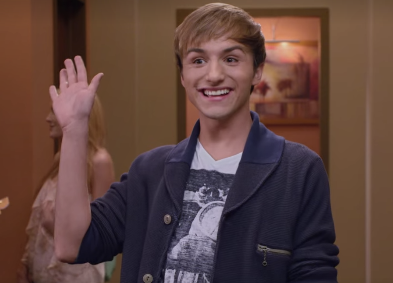 Lucas Cruikshank waving to BTR