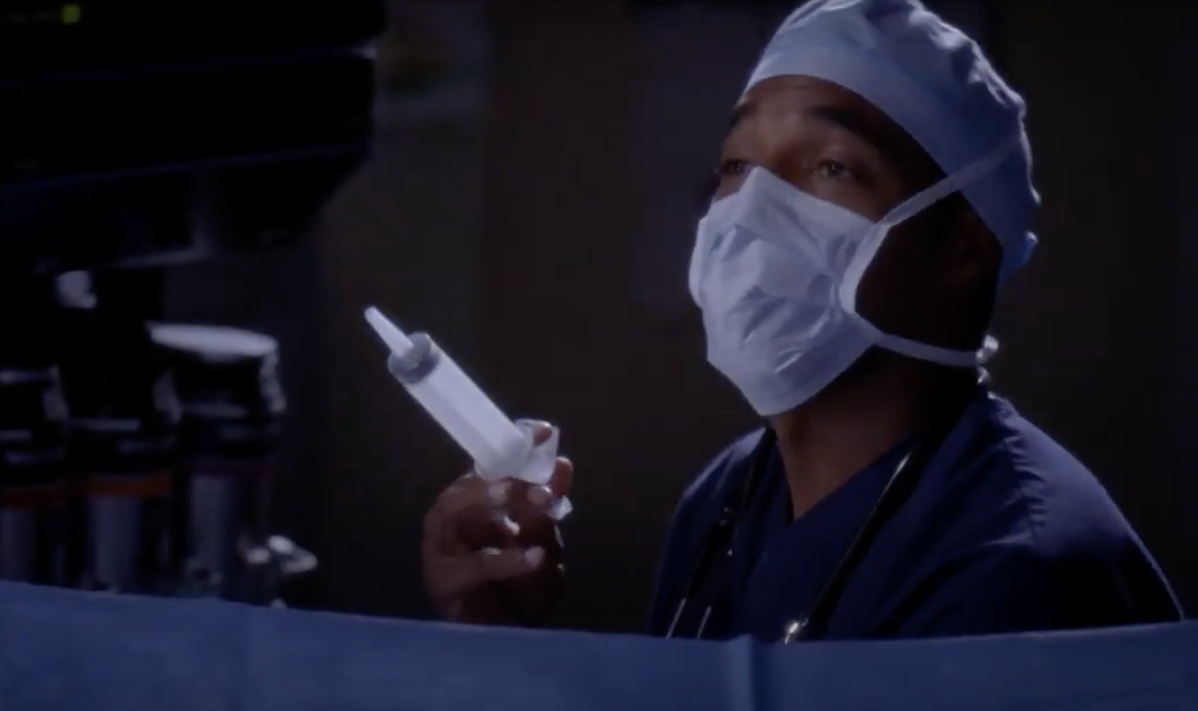 """A surgeon in the operating room in """"Grey's Anatomy"""""""