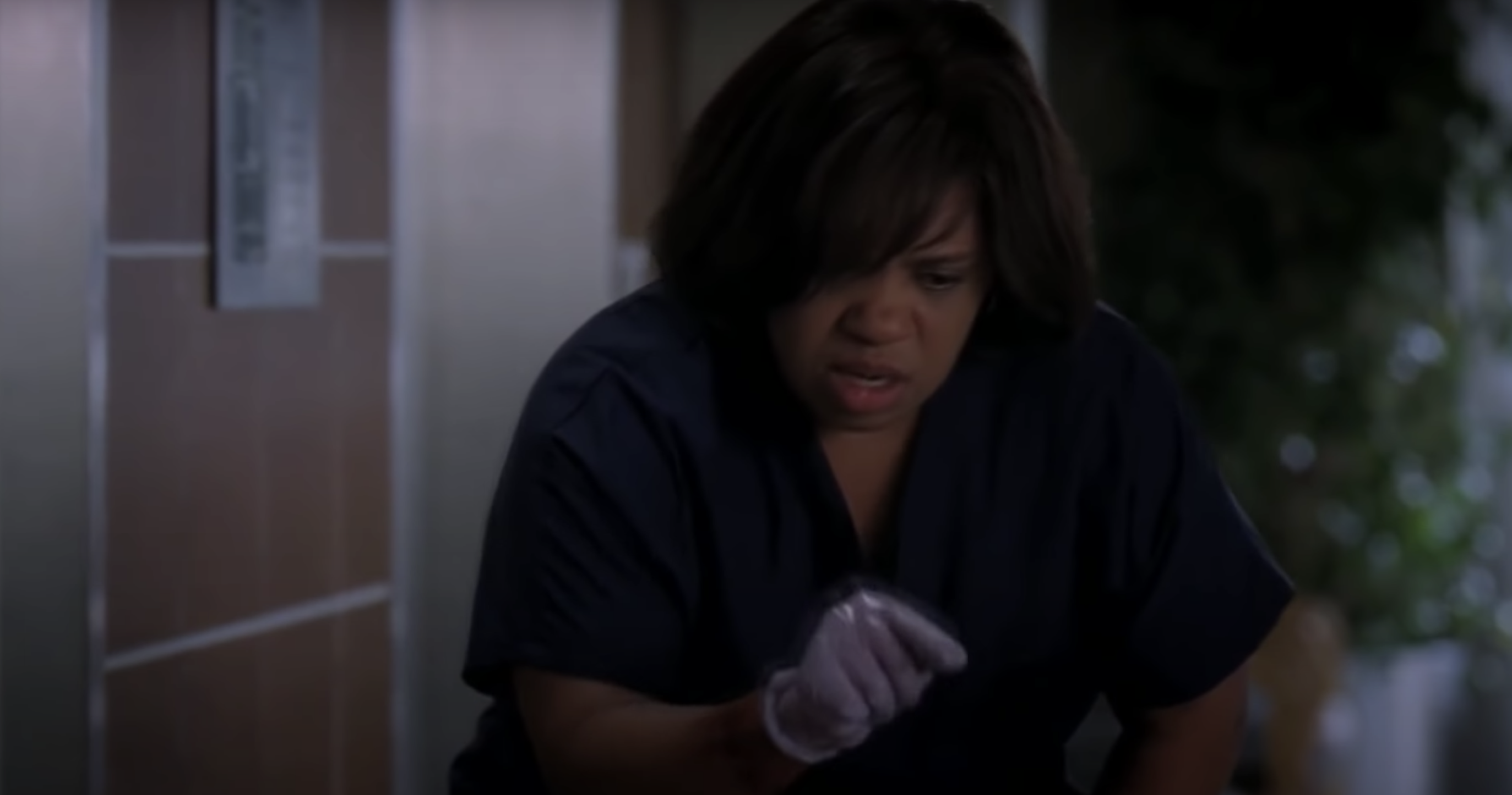 """Bailey looking confused in """"Grey's Anatomy"""""""