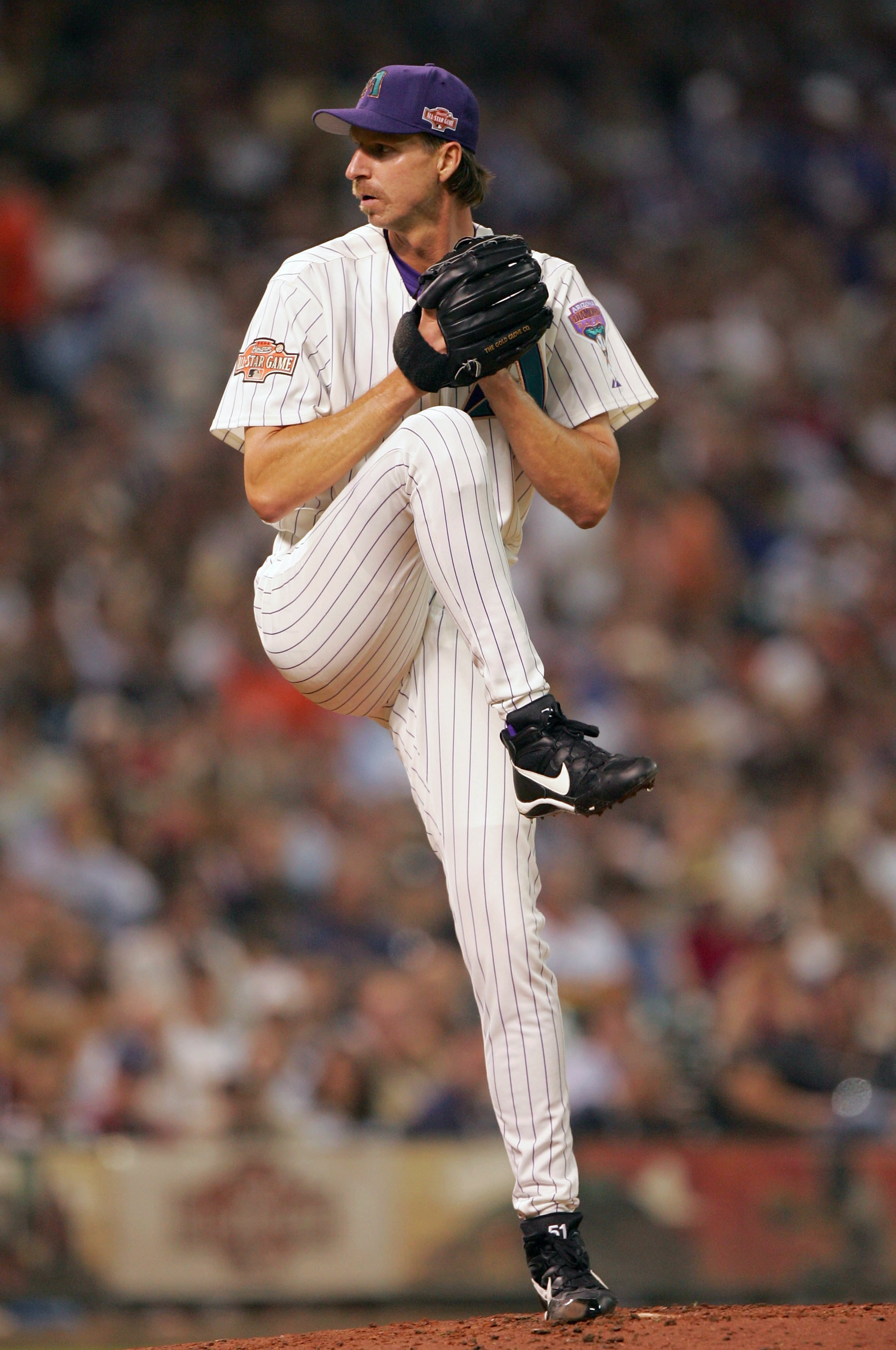 Randy Johnson winding up pitch on the mound