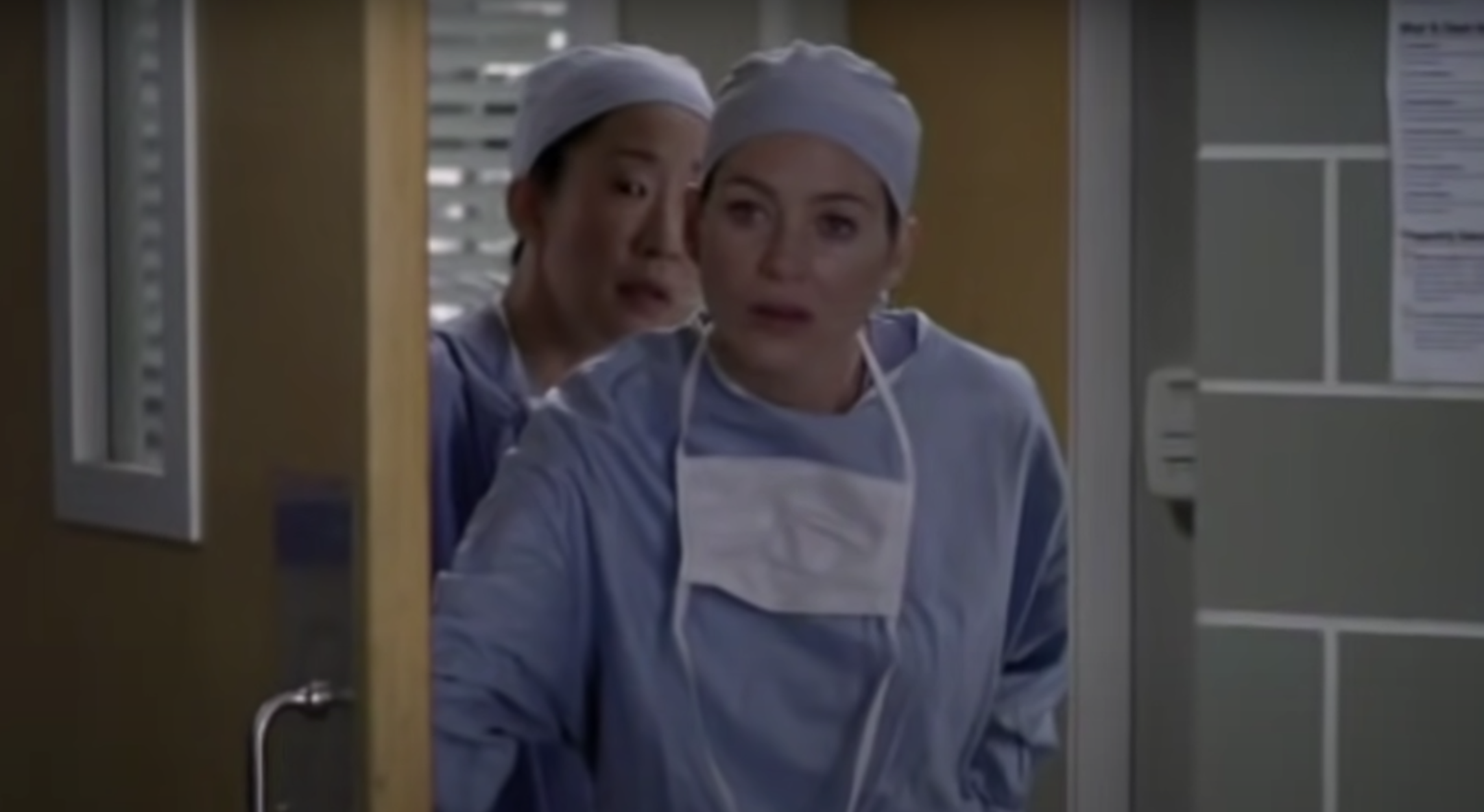 """Meredith and Cristina in surgical gear in """"Grey's Anatomy"""""""