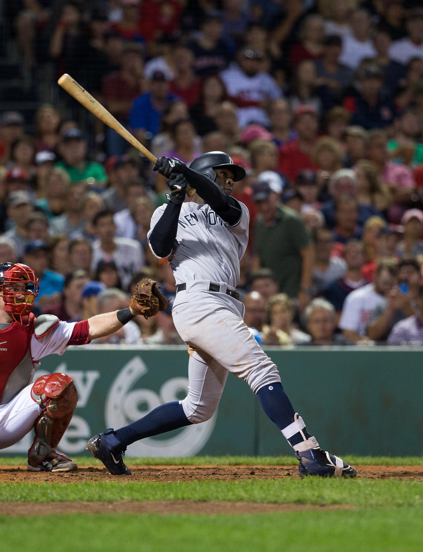 Gregorius swinging a bat