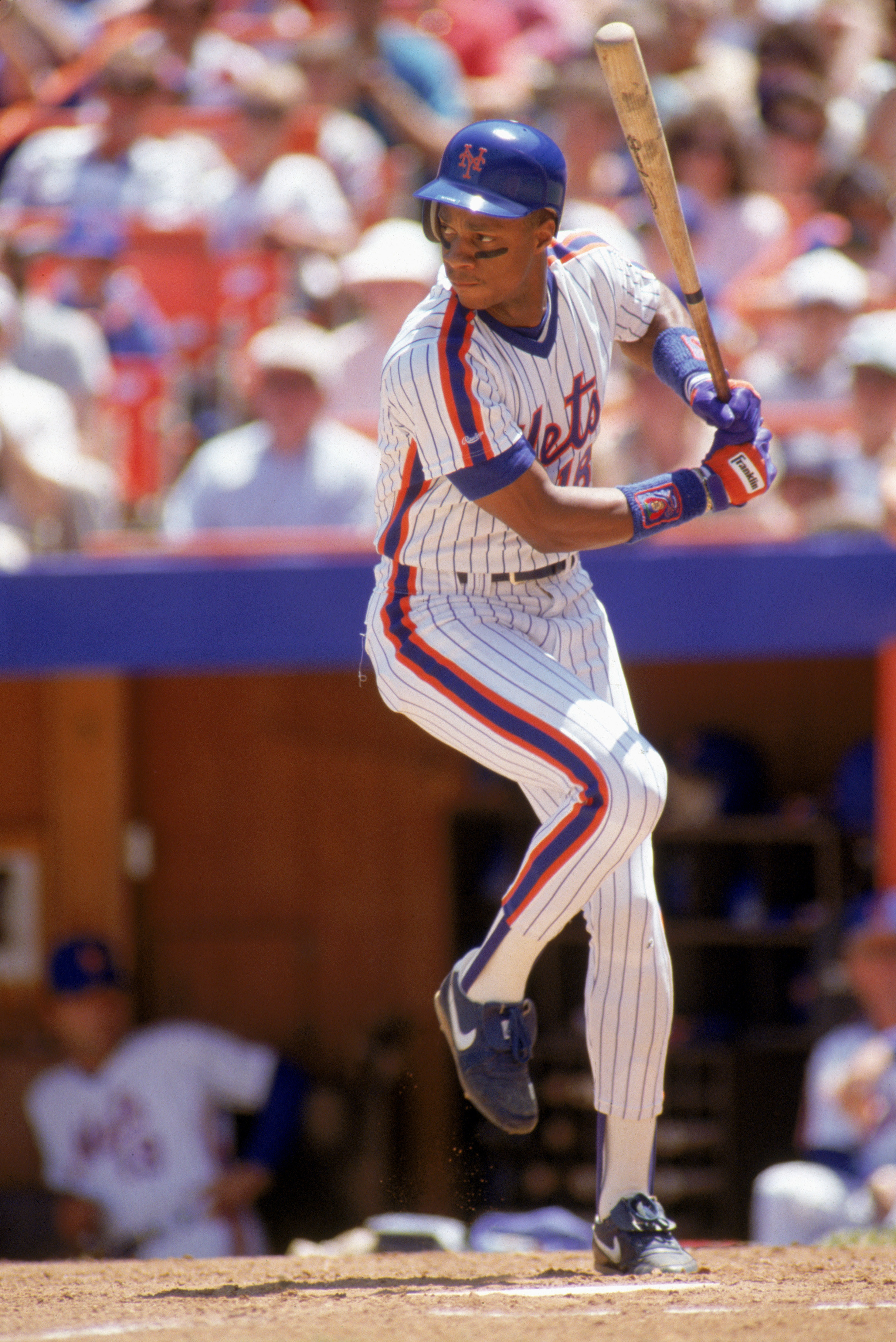 Darryl Strawberry ready to swing his bat