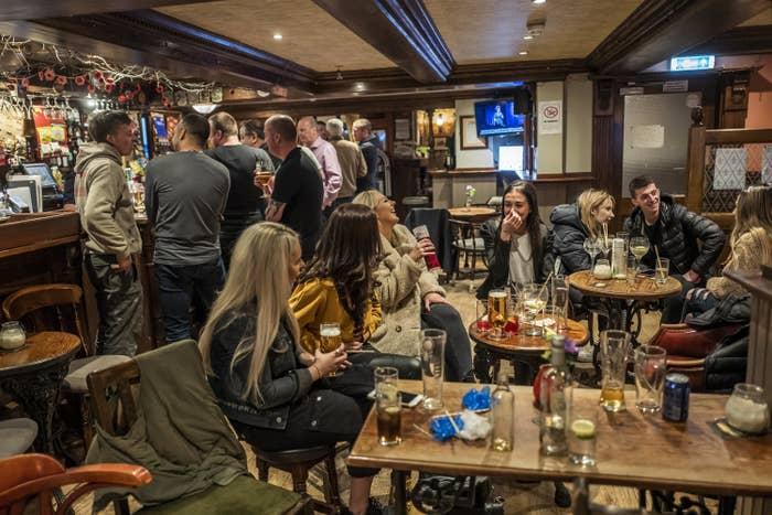 UK pub scene