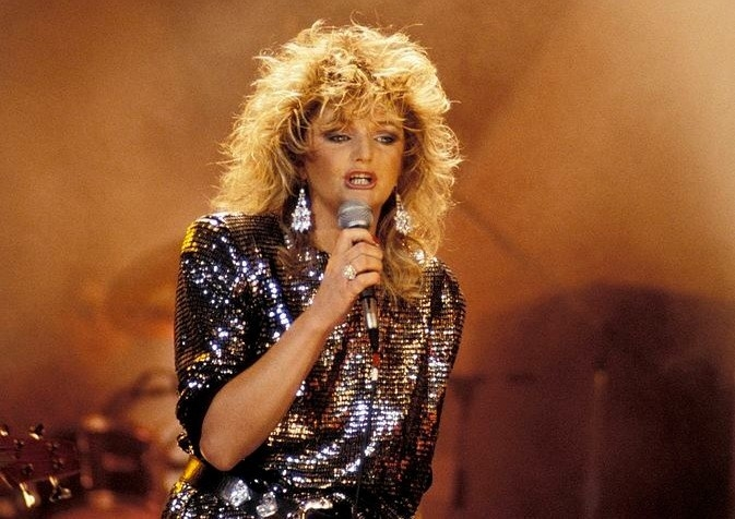 Bonnie Tyler performs in sequined outfit
