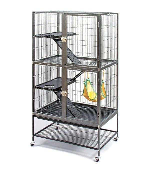 The ferret habitat in metal with rolling wheels
