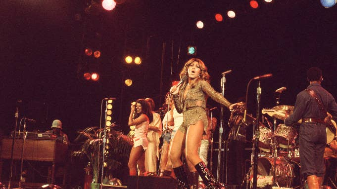Tina Turner dances onstage