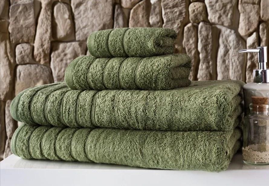 Set of green bath towels