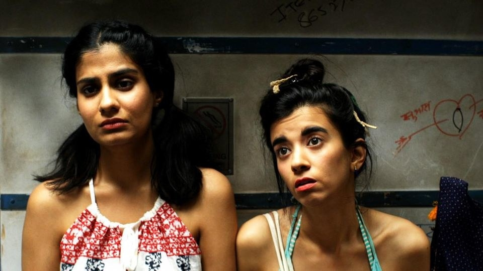 Dingo and khanna look dejected inside a train toilet in ladies room