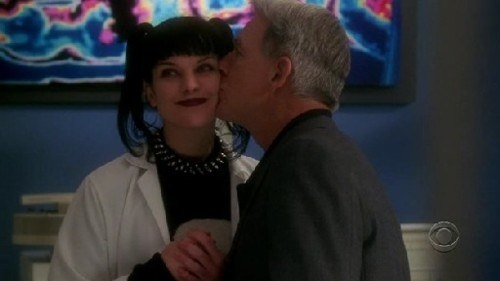 Gibbs kissing Abby on the cheek