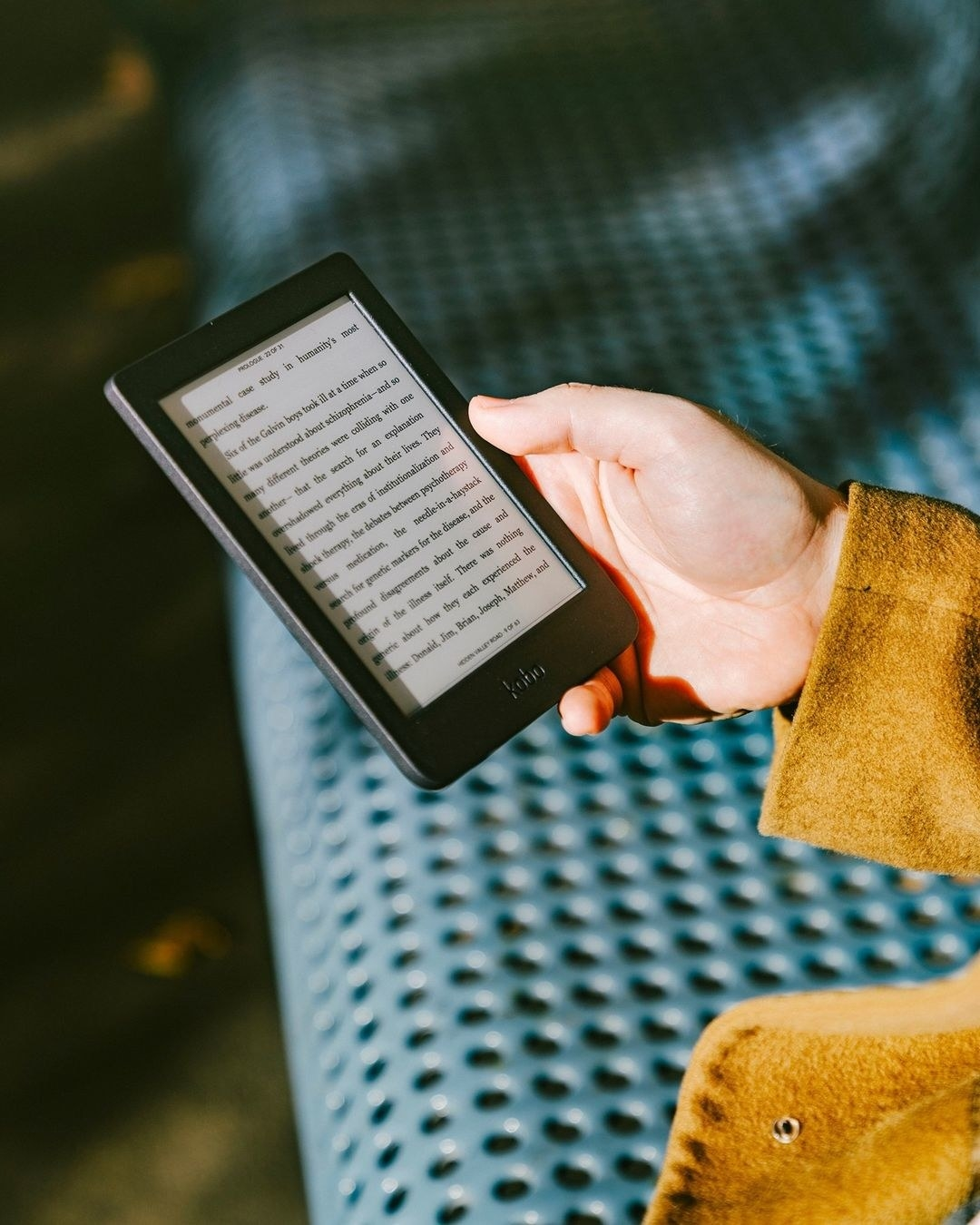 A person reading on their Kobo