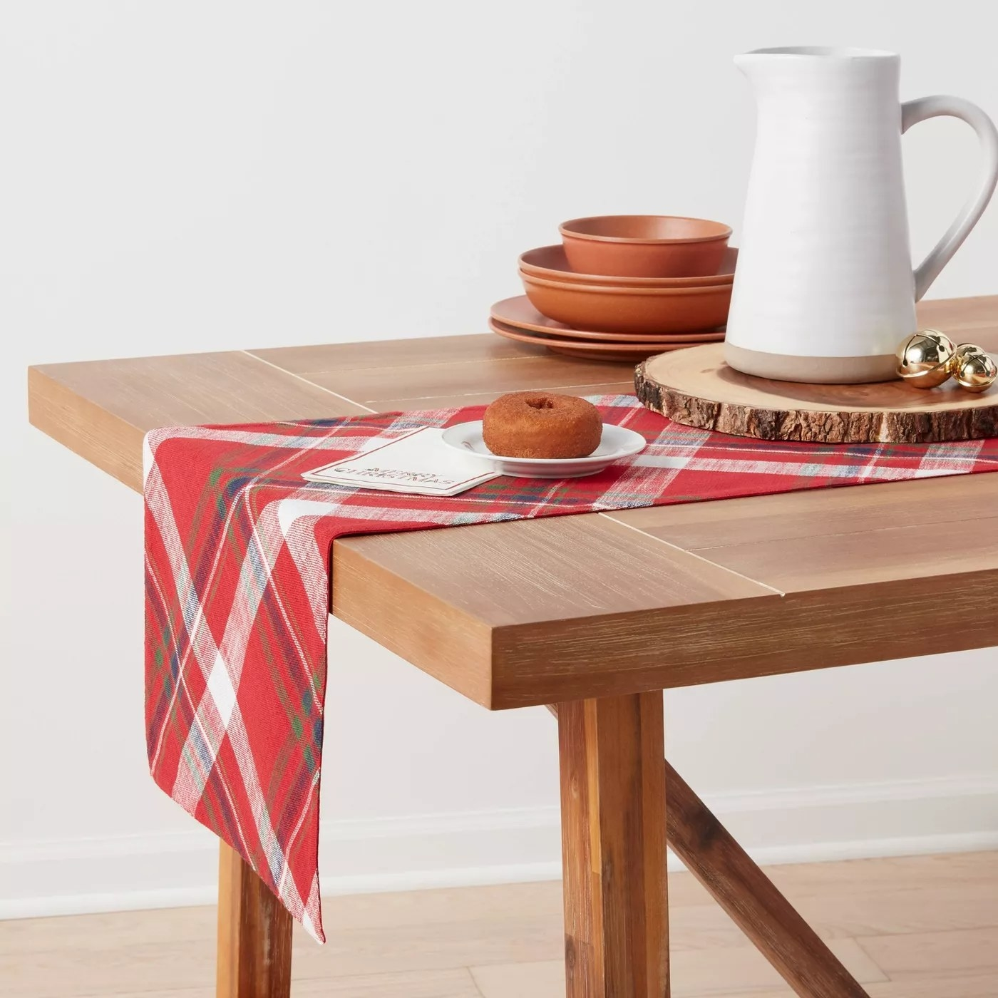The red, white, and green table runner