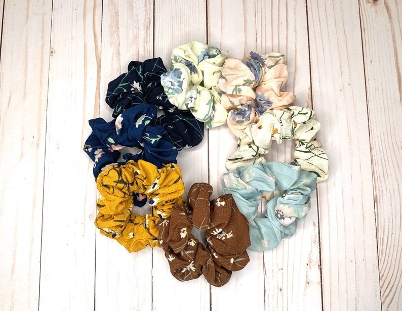 the scrunchies in a circle