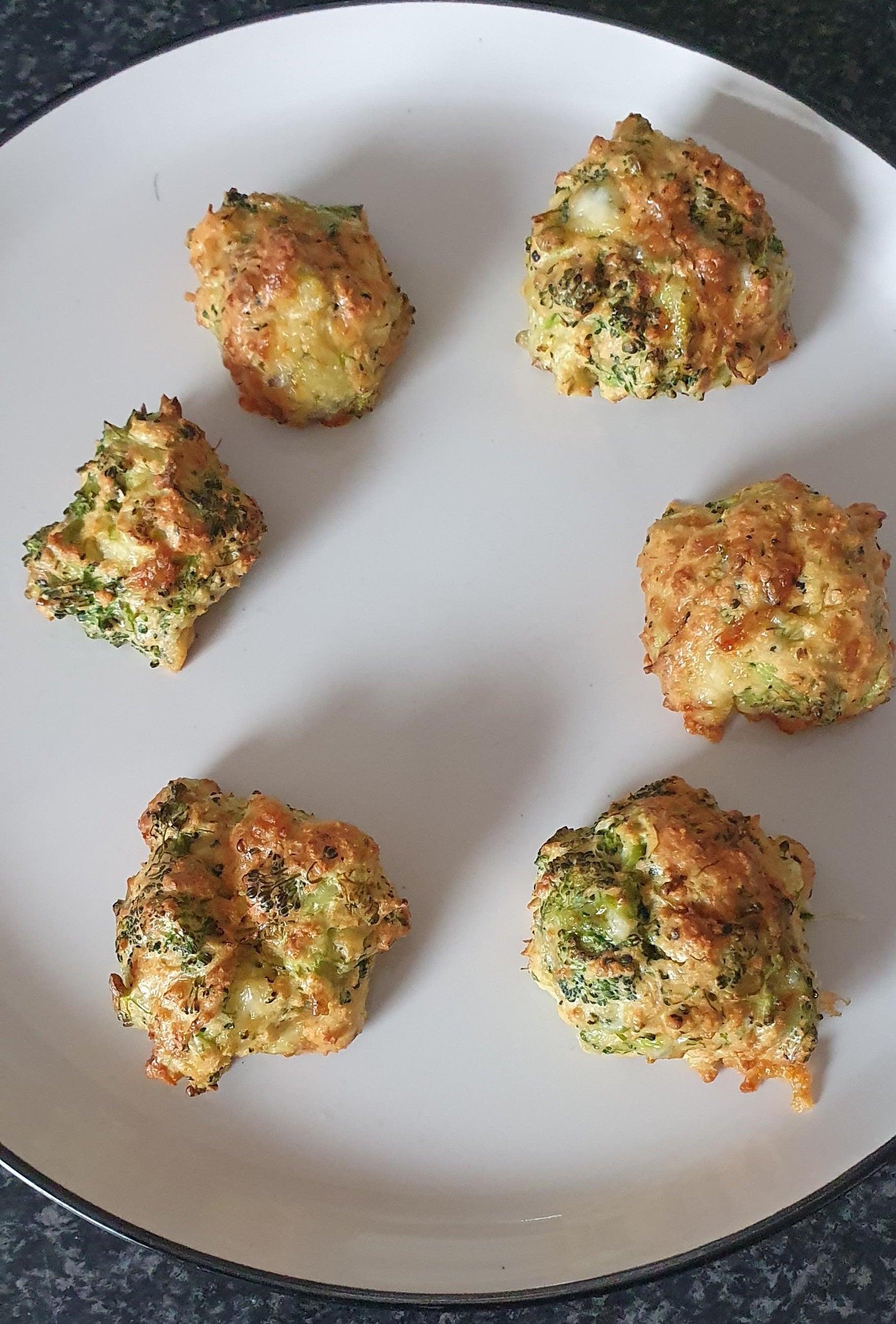Air fryer cheesy broccoli balls.
