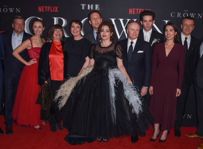 The cast of the crown at an awards show