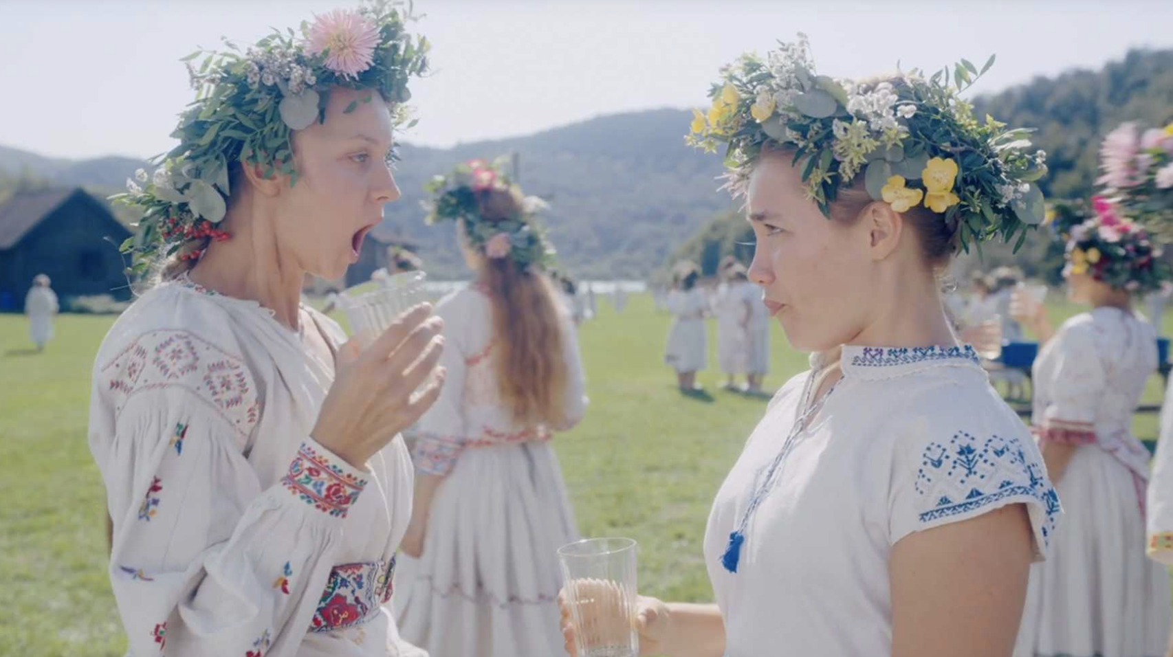 """Florence Pugh with a flower crown in """"Midsommar"""""""