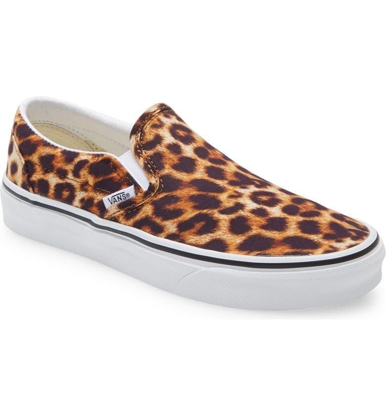 The slip-ons in Leopard Black/True White