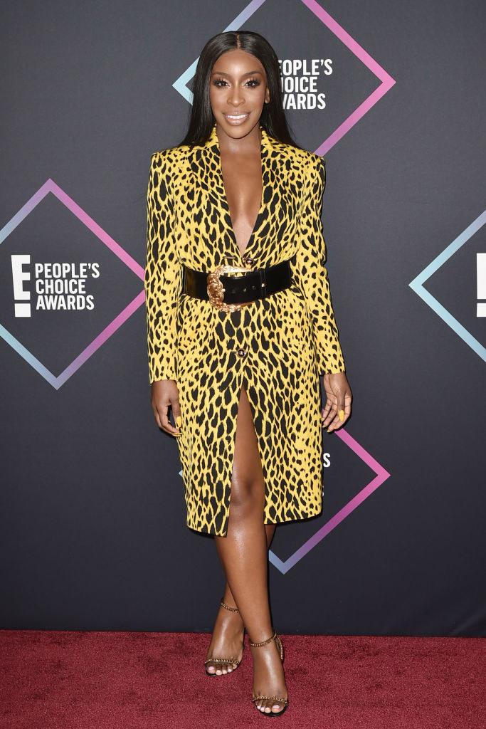 Jackie Aina arrives at E! People's Choice Awards at Barker Hangar on November 11, 2018 in Santa Monica, California.